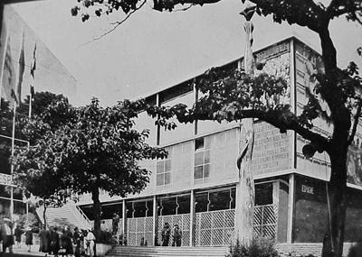 12. PABELLON DE LA REPUBLICA 1937 - VISTA LATERAL