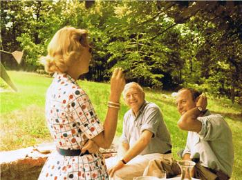 Marcel  Breuer con dos de sus clientes - 350 pix