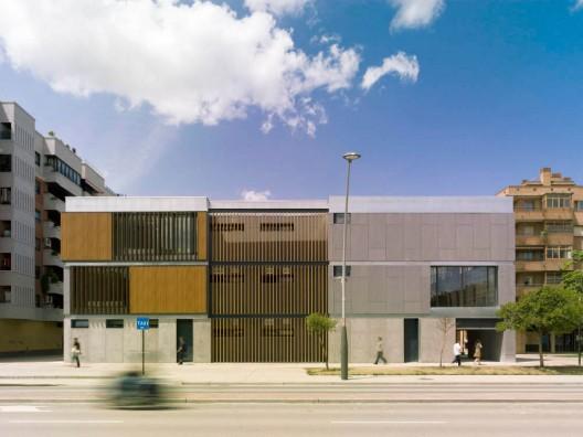 IMAGEN 5  Biblioteca pública y centro de día.  Santiago Carroquino,  JESUS GRANADA 500 en stepienybarno