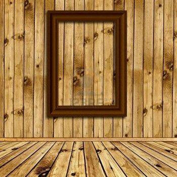 foto-del-interior-vac-o-de-madera-natural-con-marco-vac-o-en-la-pared.Sergej Razvodovskij.123RF.Stepienybarno
