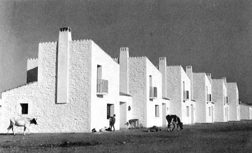 Poblado de Vegaviana 2 , Cáceres. Fernández del Amo, 1954-58 _ 500