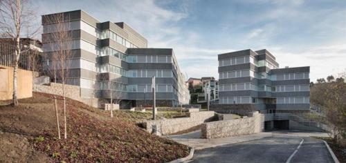 1.  106 Alojamientos públicos Juan Beldarrain Santos 2 500