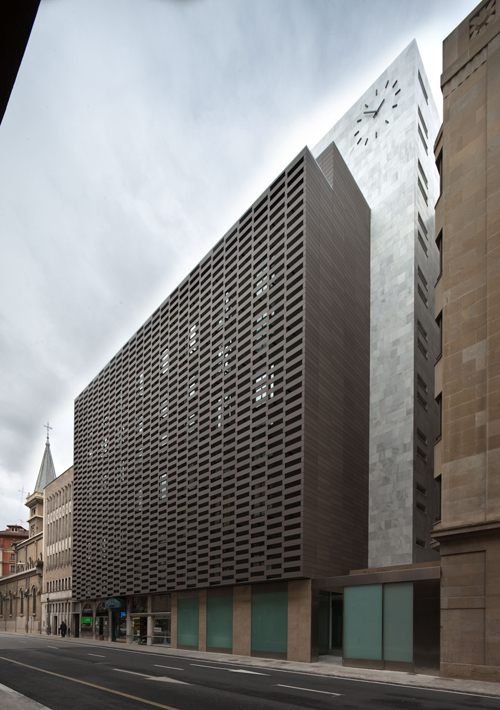 1. EdificioAdministrativoRedentoristas_ByEarquitectos_JosemaCutillas_Pamplona_2010 500