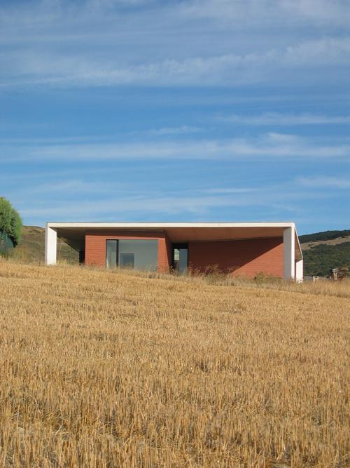 1.Casa Paraguas_Javier P+®rez Herreras y Jos+® V. Valdenebro_taller b+ísico de arquitectura_Tajonar (Navarra)_2005