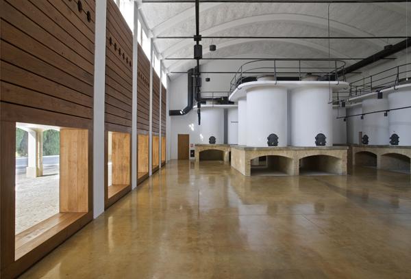 3 Bodegas de Sarría_Tabuenca & Leache Arquitectos_Jose Manuel Cutillas_Puente la Reina-Navarra_2008