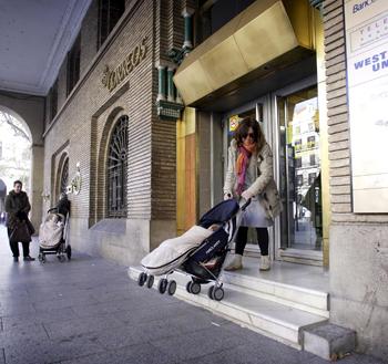 aacesibilidad-carrito-mama-madre-stepienybarno-correos