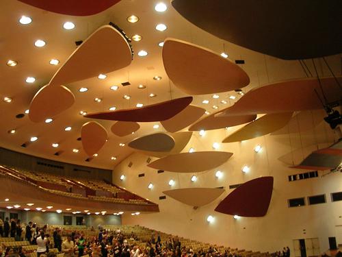 4. Aula Magna-Alexander-cAlder-STEPIENYBARNO-arquitectura-architecture