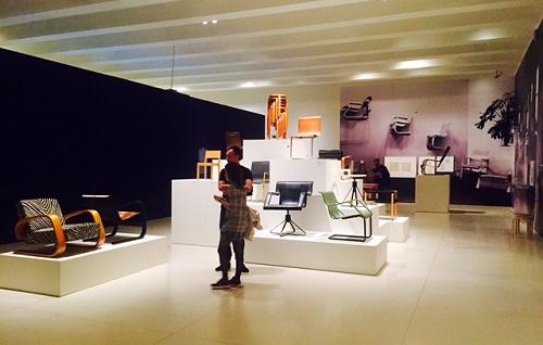 6. SALA SILLAS-Aalto-EXPOSICION-Caixa Forum-Madrid- STEPIENYBARNO