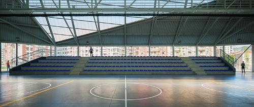 stepienybarno-stepien-y-barno-proyecto-del-dia-DESIGNBOOM-vaumm-tabula-rasa-park-pelota-court-3
