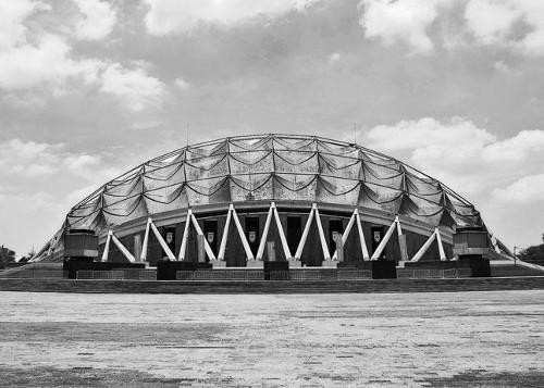 stepienybarno-blog-stepien-y-barno-arquitectura-proyecto-del-dia-felix-candela-plataforma