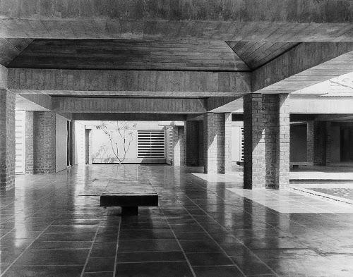 stepienybarno-blog-stepien-y-barno-arquitectura-proyecto-del-dia-hidden-architecture-charles-correa