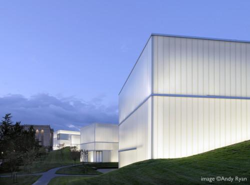 stepienybarno-blog-stepien-y-barno-arquitectura-proyecto-del-dia-plataforma-nelson-atkins-steven-holl-andy-ryan