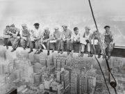 workers-charles-c-ebbets-poster-lunch-atop-a-skyscraper-trabajadores-riesgo-construccion-stepienybarno