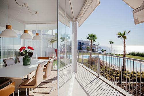 Proyecto en tres apartamentos de la Reserva del Higuerón en Fuengirola (Málaga).