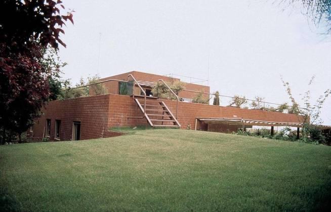 Exterior de la antigua Casa Guzmán -Fundación Alejandro de la Sota -stepienybarno - carlos puente