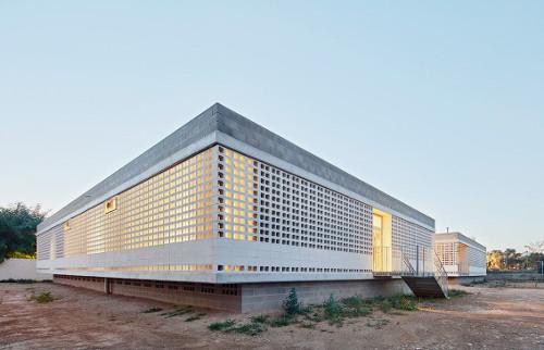 stepienybarno-stepien-y-barno-arquitectura-ProyectoDelDia-Afasia-archzine-alga-adell-aixopluc-puig-hevia-divisare