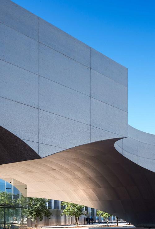 stepienybarno-stepien-y-barno-arquitectura-proyectodeldía-edificio-caixa-forum-sevilla-diario-design-Guillermo Vázquez Consuegra-4