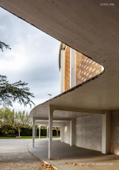stepienybarno-stepien-y-barno-arquitectura-proyectodeldía-miguel-fisac-simon-garcia-arqfoto-3