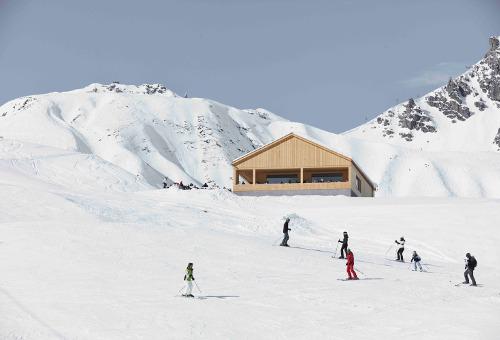 stepienybarno-stepien-y-barno-proyectodeldía-arquitectura-Bernardo Bader Architects-archdaily-Adolf Bereuter-3