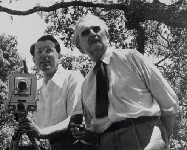 Julius Shulman and architect Richard Neutra at the Tremaine House, Los Angeles, 1947 - stepienybarno - jesus granada