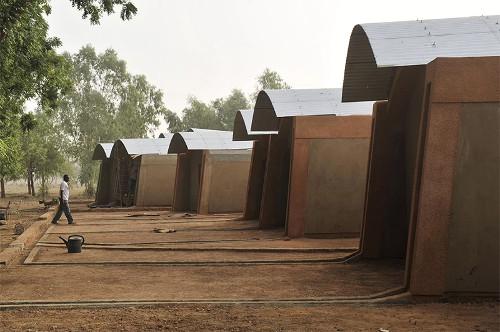 Stepienybarno-blog-stepien-y-barno-arquitectura-More-with-less-diebedo-francis-kere-4