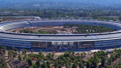 stepienybarno-stepien-y-barno-arquitectura-expansion-apple-park-angela-castillo-iphone-X