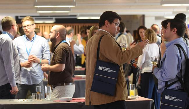 Networking durante la Comida en el III Congreso Edificios Inteligentes.